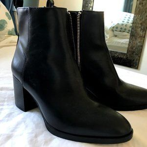 H&M SIZE 37 Bootie black faux leather